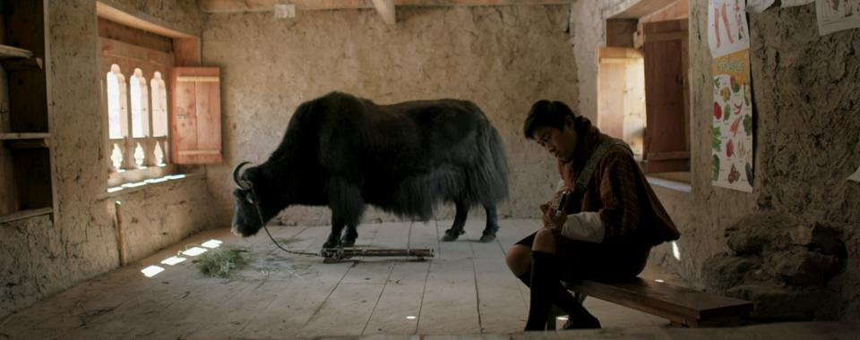 Lunana: A Yak In The Classroom